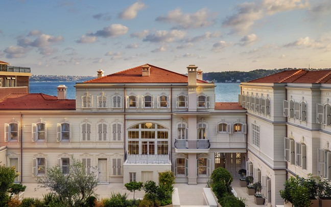 I'm also drooling over the new Six Senses Hotel, transformed from two historic mansions in Istanbul. Set on 6+ acres, it's